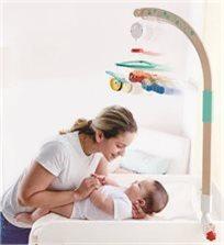 מובייל 'חלומות מתוקים' עם חיבור למיטת תינוק או שידה