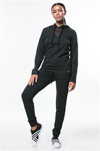 מכנסי טרנינג לנשים בצבע שחור