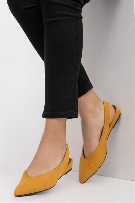 נעל שטוחה , עקב פתוח עם רצועה