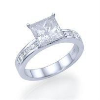 טבעת אירוסין קיסר זהב לבן 1.51 קראט בשיבוץ יהלומים מרובעים פרינסס