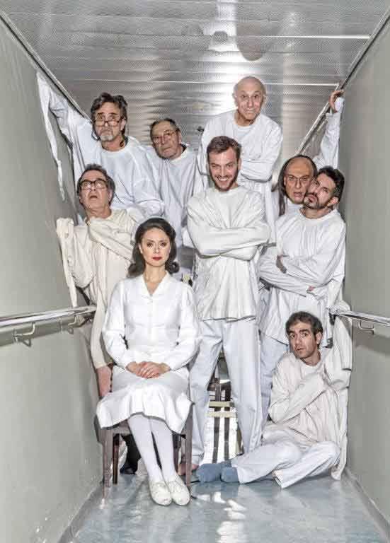 שובר פתוח ל-4 כרטיסים בעלייה למגוון הצגות בתיאטרון הקאמרי ב-₪199 בלבד - תמונה 3