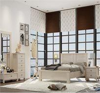 חדר שינה נחלים הכולל מיטה זוגית, 2 שידות לילה, שידת 5 מגירות, שידת מגירה ומראה תוצרת LIVING ROOM