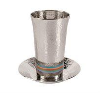 כוס כסופה לקידוש בעבודת פטיש עם טבעות צבעוניות