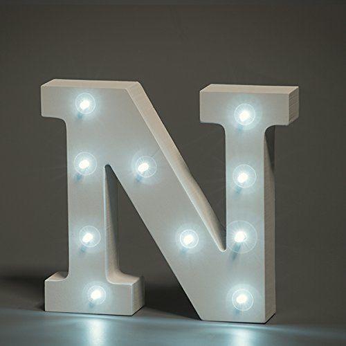 מנורת לילה עם תאורת לד Led מעוצבת בצורת האות N