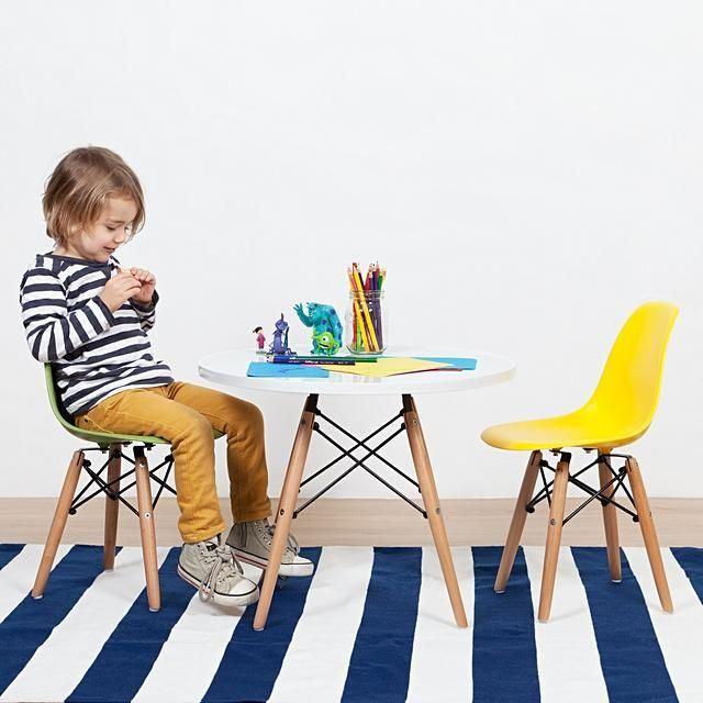 פינת אוכל מודרנית לילדים כוללת שולחן וזוג כסאות במבחר צבעים  - תמונה 3