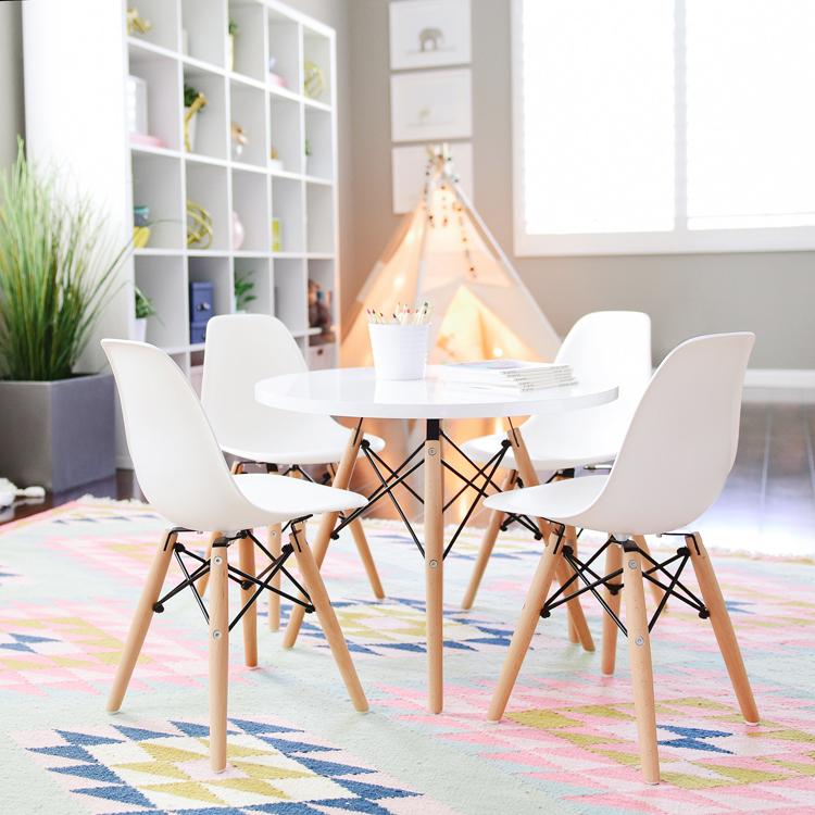 פינת אוכל מודרנית לילדים כוללת שולחן וזוג כסאות במבחר צבעים  - תמונה 2