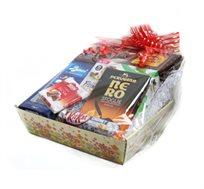 חבילת שי מעוצבת לראש השנה הכוללת בונבונירה, עוגת הבית דבש, דבש דבורים טהור ועוד