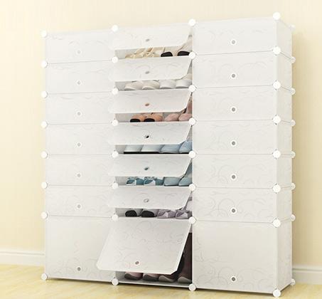 יחידת מדפים בעלת 18 תאי אחסון