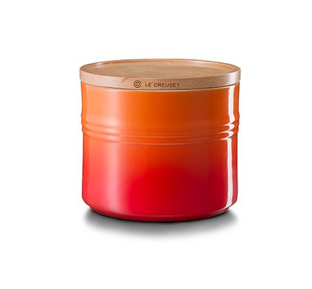 צנצנת עם מכסה עץ לאחסון בנפח 1.5 ליטר מקרמיקה במגוון צבעים לבחירה LE CREUSET - משלוח חינם - תמונה 2