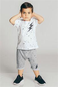 חולצת טריקו קצרה בהדפס ברק לבנים Kiwi בשני צבעים לבחירה
