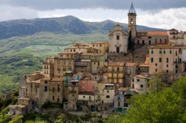 טיול מאורגן לצפון איטליה: מילאנו, מפלי וארונה, יקב, טיול ערב בורונה והפתעות! 7 ימי טיול רק ב-€599! - תמונה 5