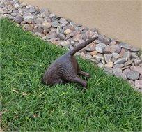 """פסל נוי מעוצב לגינה ממתכת """"הכלב החופר"""""""